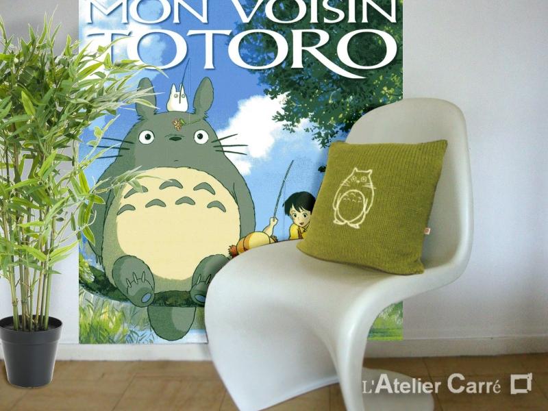 coussin personnalisé cinéma en tricot Totoro