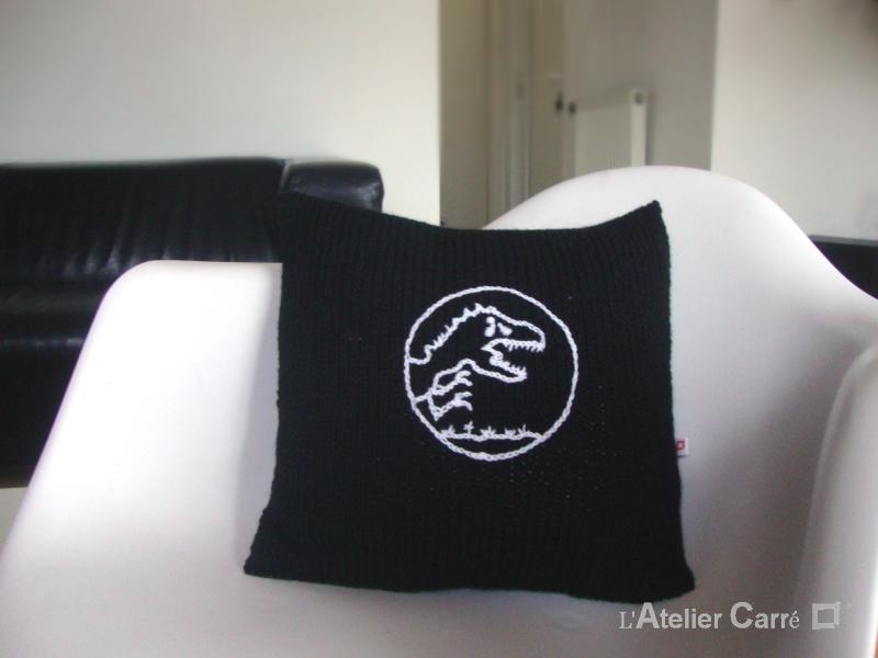 coussin tricot personnalisable symbole film jurassic park