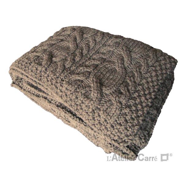 plaid en tricot torsadé