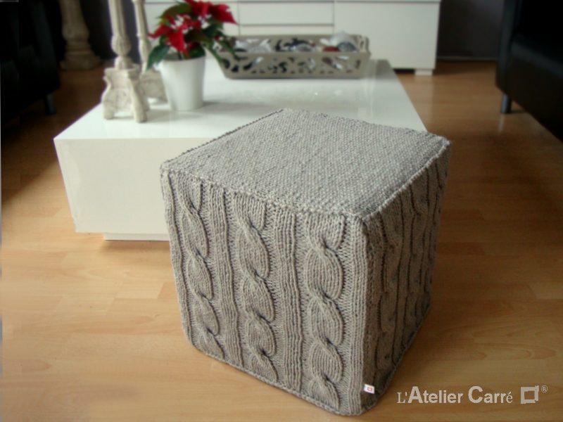 housse pour pouf cube en tricot torsadé coloris lin