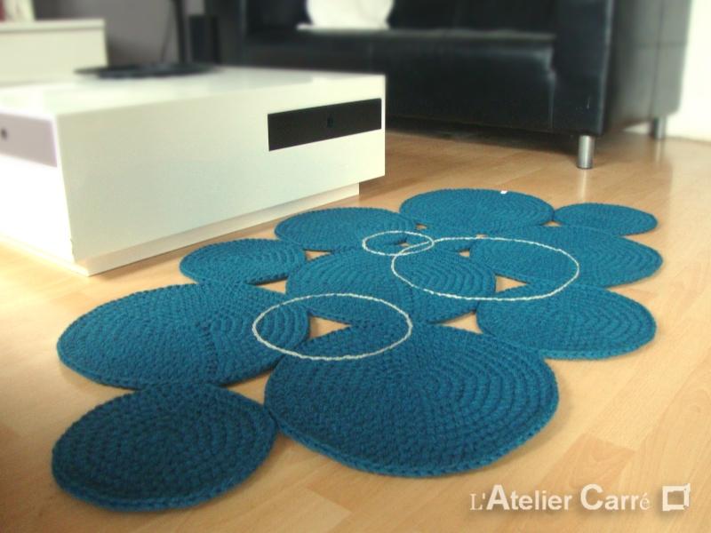 tapis confettis ronds color s au crochet l 39 atelier carr. Black Bedroom Furniture Sets. Home Design Ideas