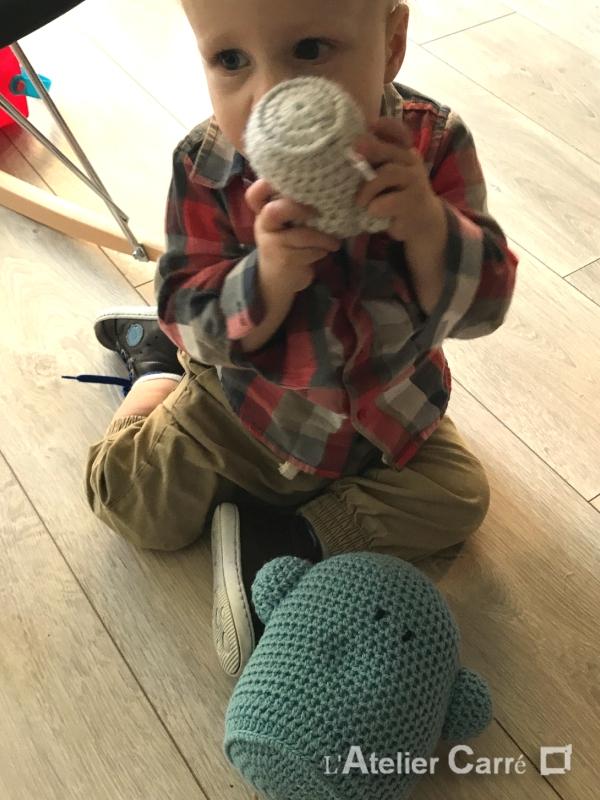 couple de doudous rigolos au crochet