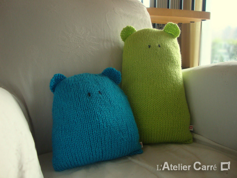 coussin en tricot forme ours design