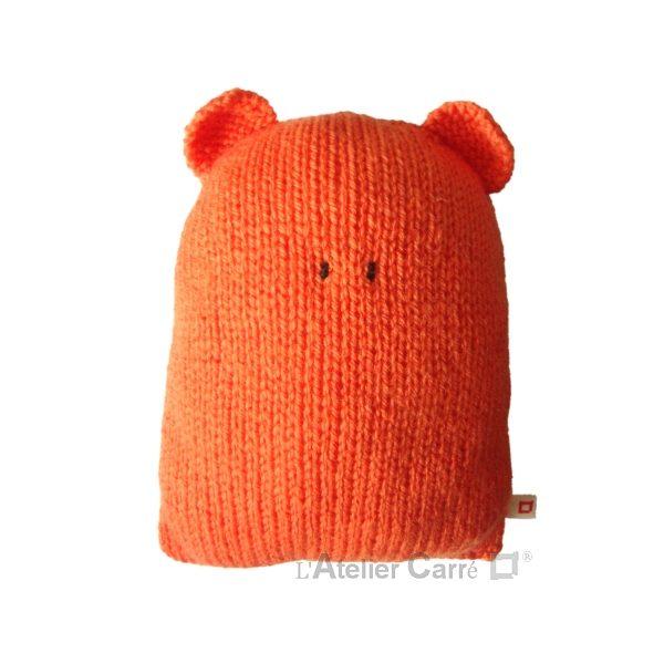 coussin enfant design forme ours en tricot orange