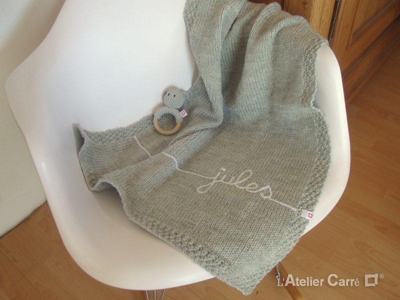 couverture bébé en tricot personnalisée
