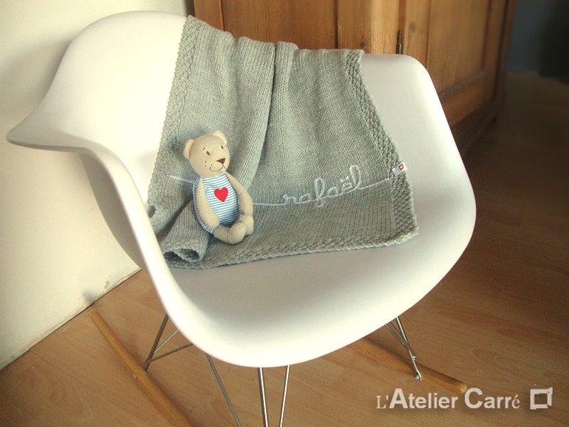 couverture bébé en tricot personnalisable prénom ou texte
