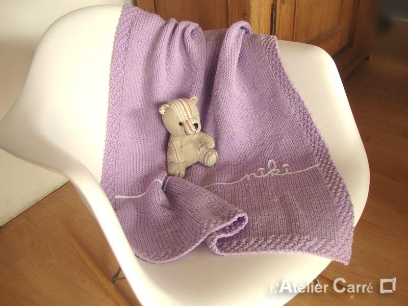 couverture bébé en tricot prenom parme