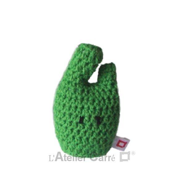 personnage rigolo au crochet rembourré mousse vert