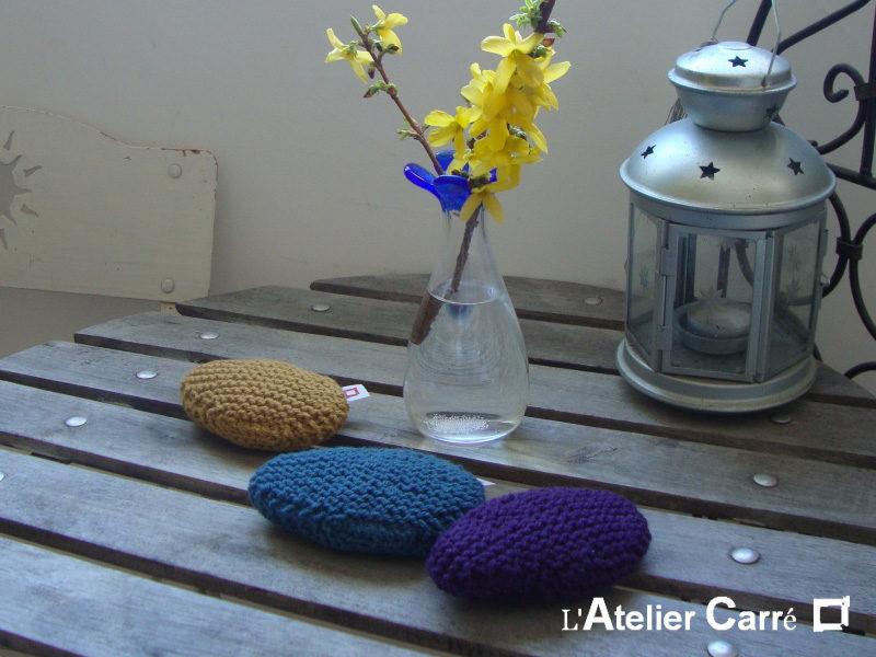 repose poignet ergonomique en laine et mousse forme galet