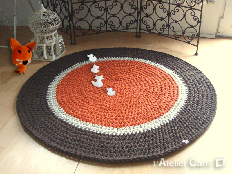 tapis rond au crochet personnalisé orange marron renards