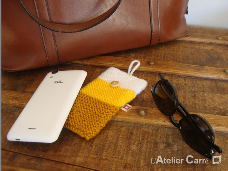 étui pour smartphone en laine