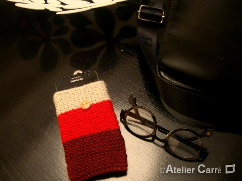 Housse smartphone en laine tricolore