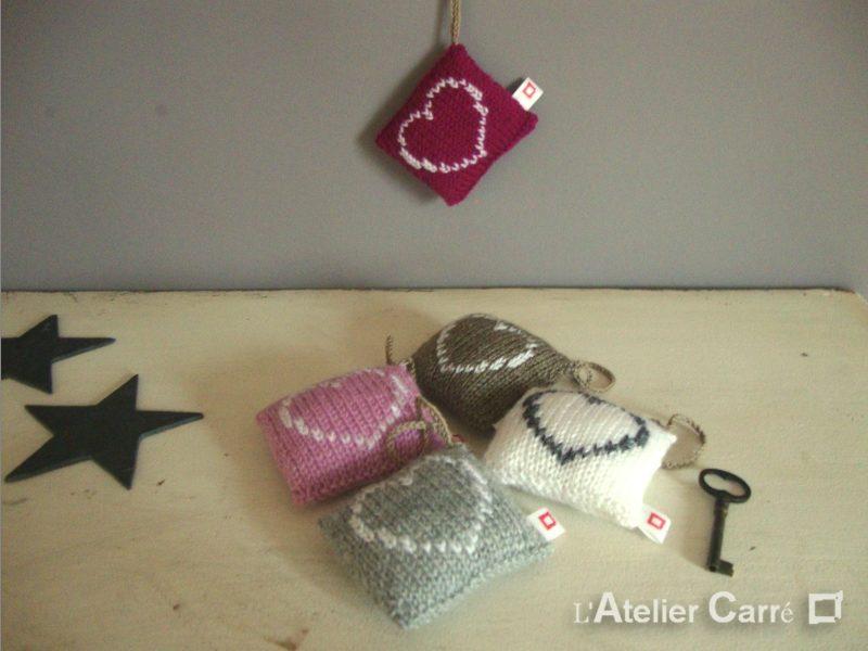 Décoration coussin de porte ou pique aiguille laine et mousse