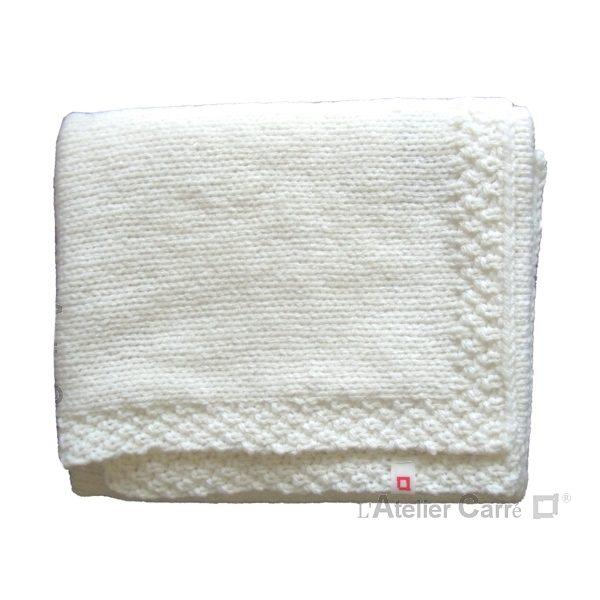 couverture bébé en tricot personnalisable prénom ou texte coloris blanc