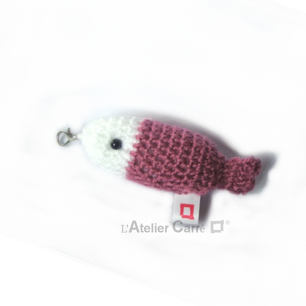 poisson-bicolore-crochet-rose-ancien