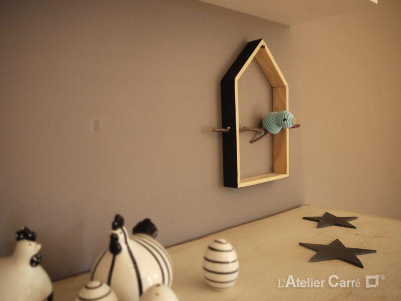 décoration murale maison oiseau bois et crochet