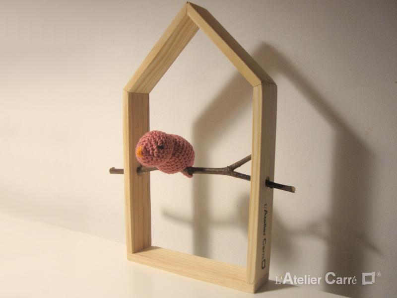 étagère décorative maison et oiseau rose ancien