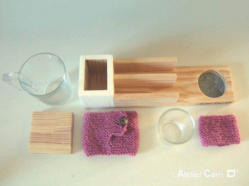 organiseur de bureau en bois bicolore et pot tricot rose ancien