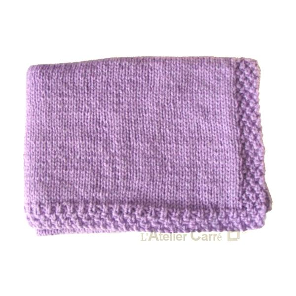 couverture-bebe-tricot-personnalise-lilas