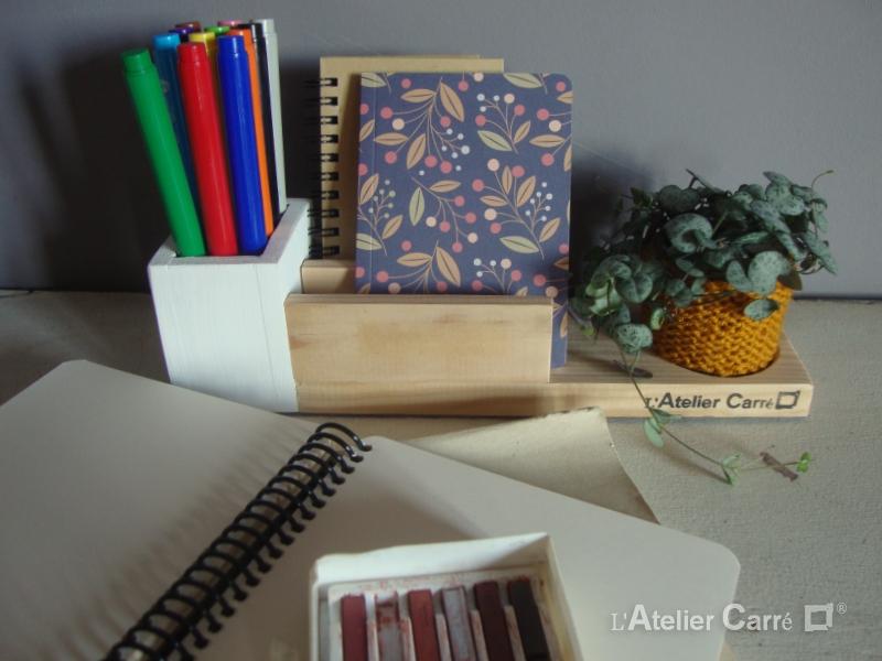 organiseur de bureau en bois bicolore et crochet
